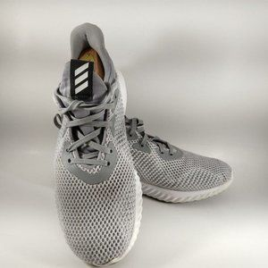 Adidas Grey Sneaker Womens Sz 7